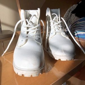 White leather timberland style work boots